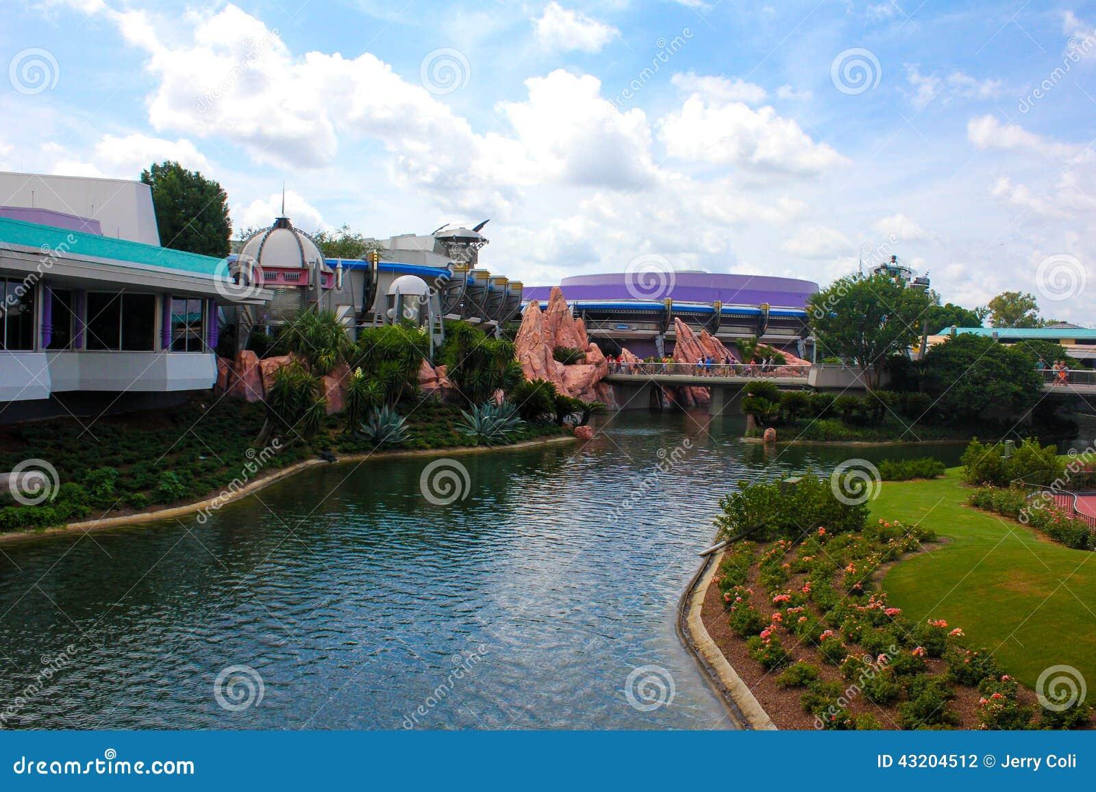 Download Tomorrowland Restaurang, Walt Disney World Redaktionell Arkivbild - Bild av vatten, kungarike: 43204512