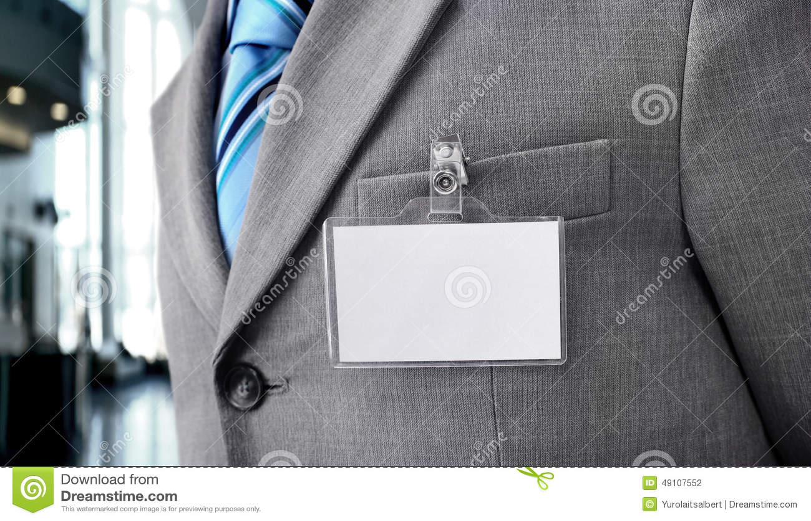 Tomt emblem på mäns torso