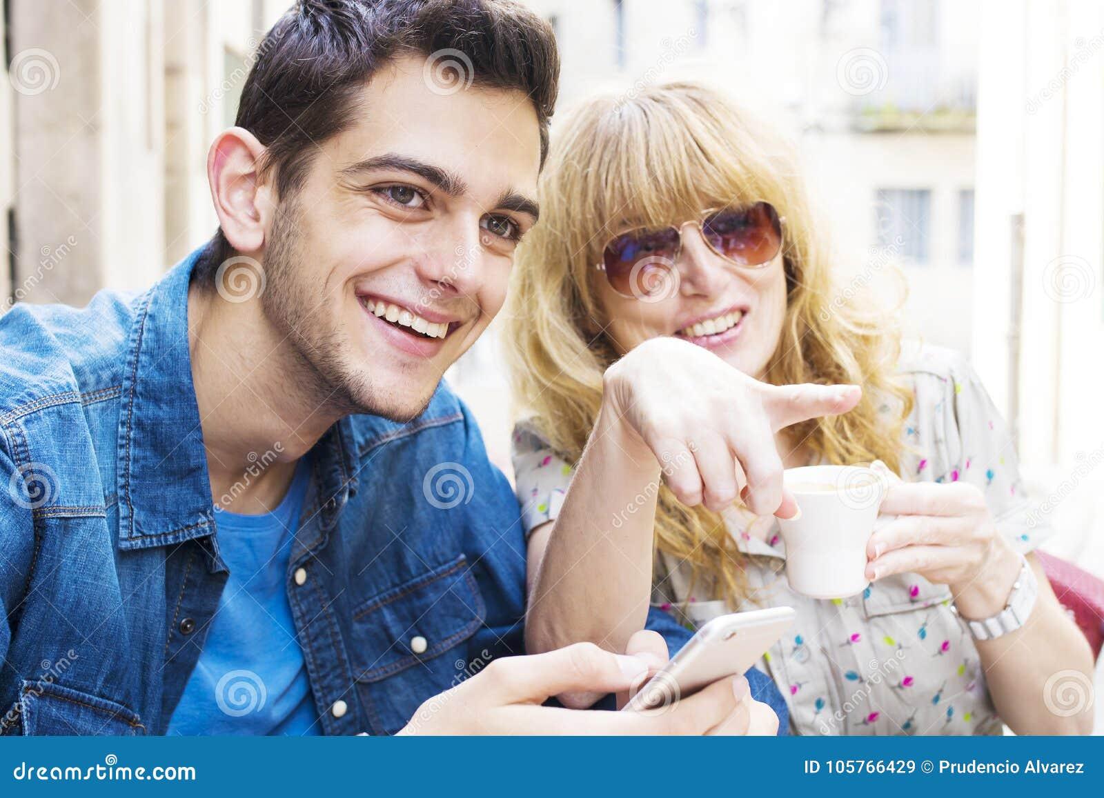 Dating mycket äldre kvinna