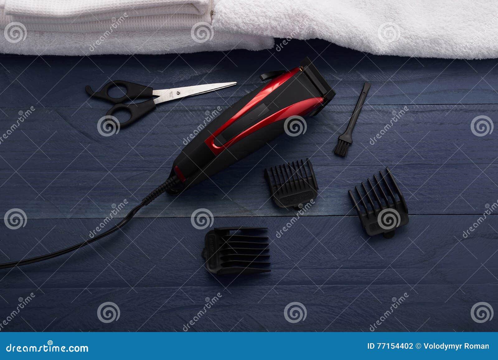 Tondeuse dans le salon de coiffure