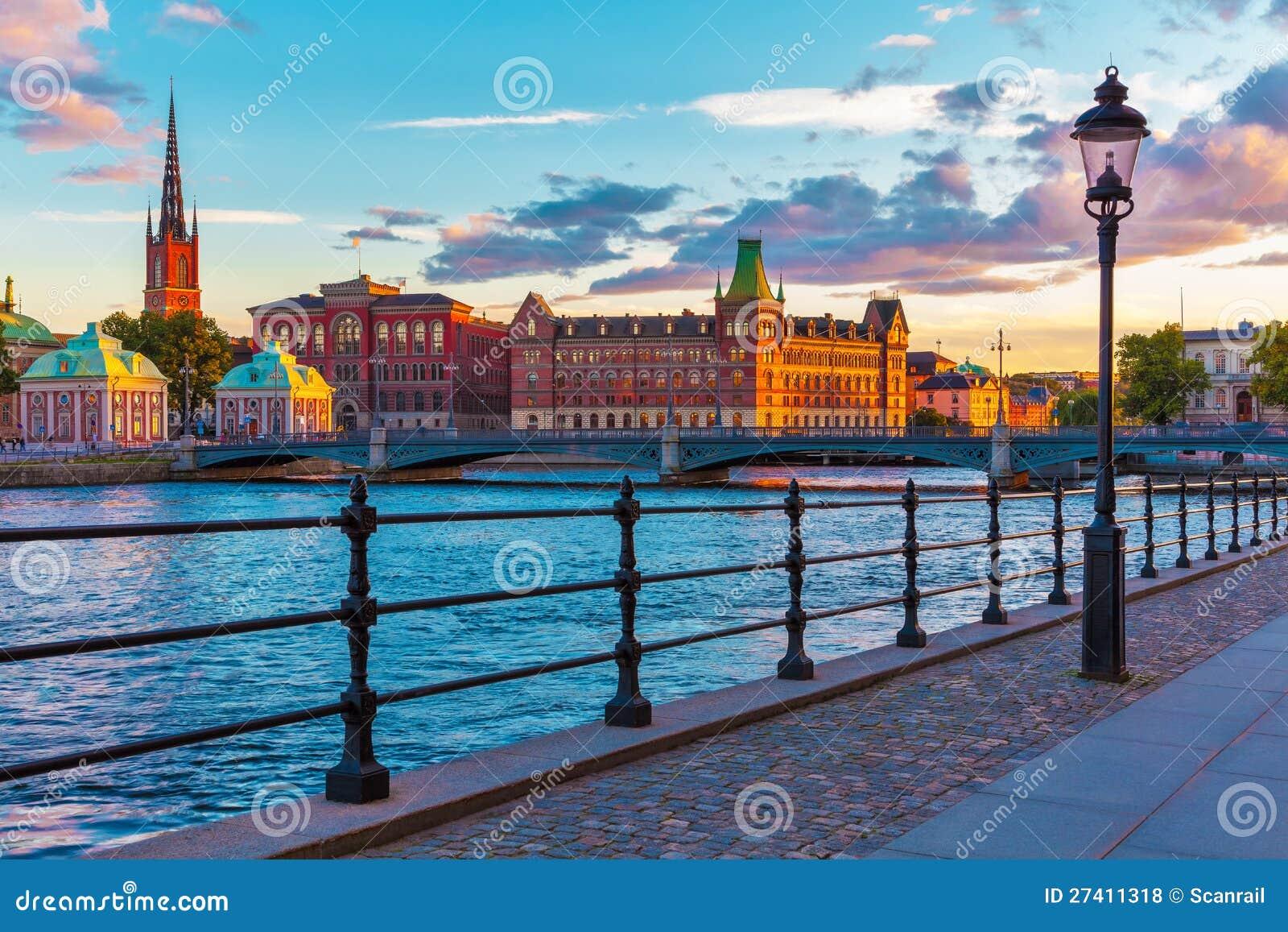 Toneel zonsondergang in Stockholm, Zweden