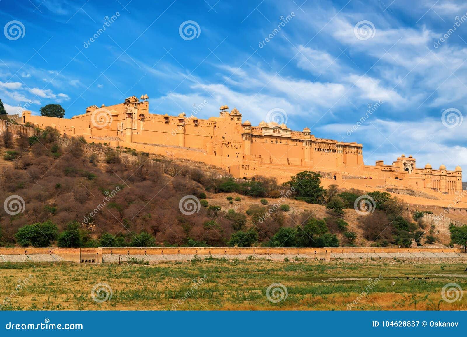 Download Toneelmening Van Amber Of Amer Fort In Jaipur, India Stock Afbeelding - Afbeelding bestaande uit aziatisch, azië: 104628837