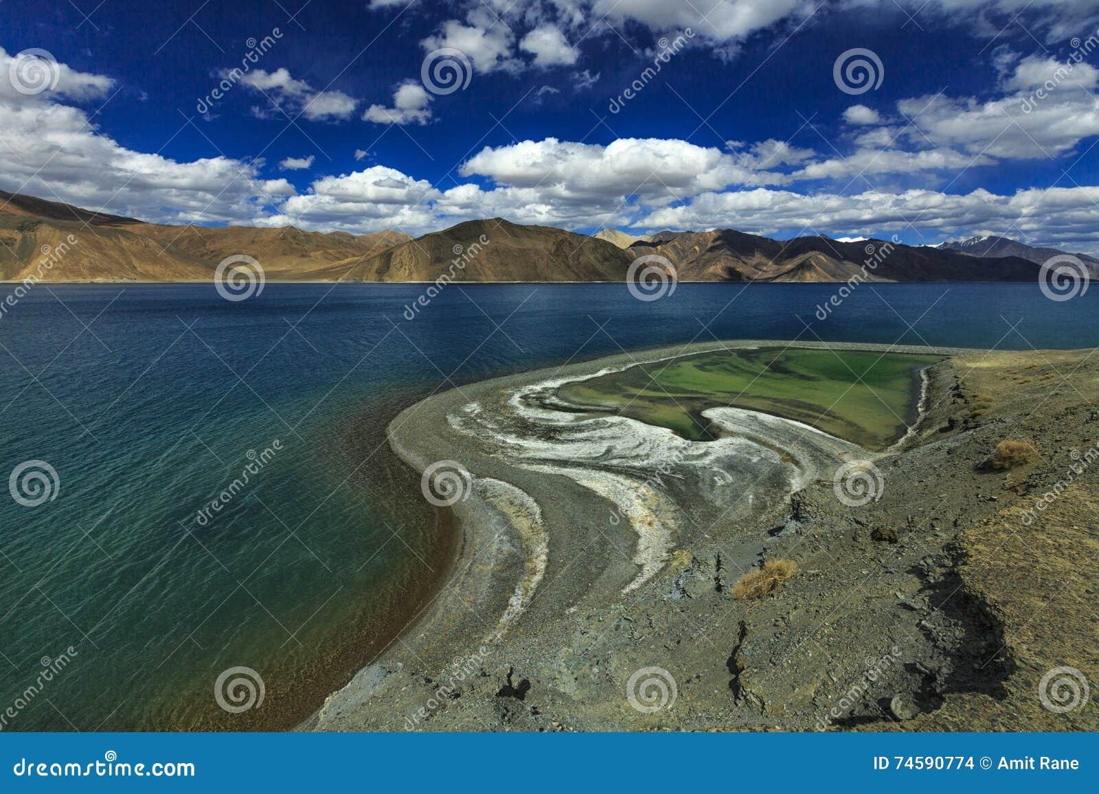 Toner av Pangong sjön