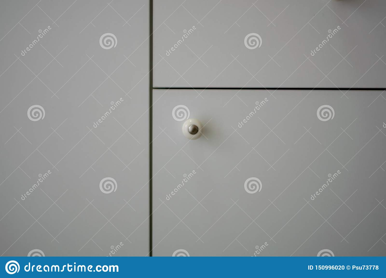 Tongue door, clear, white locker, black line