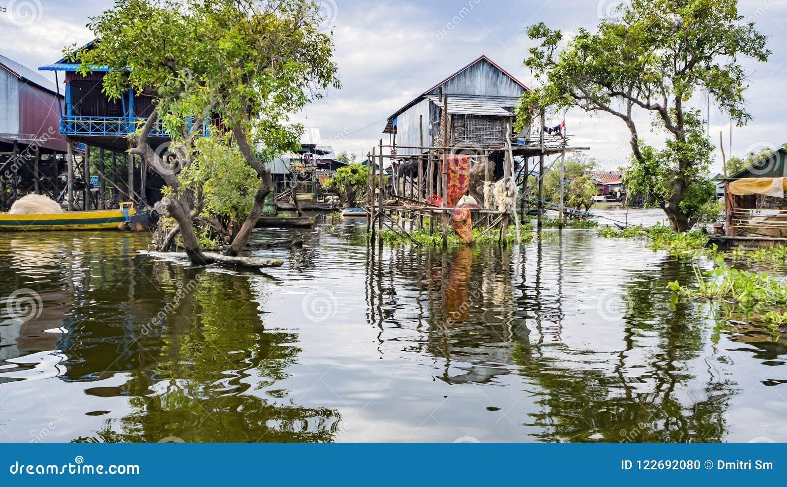 Tonle Sap湖,村庄