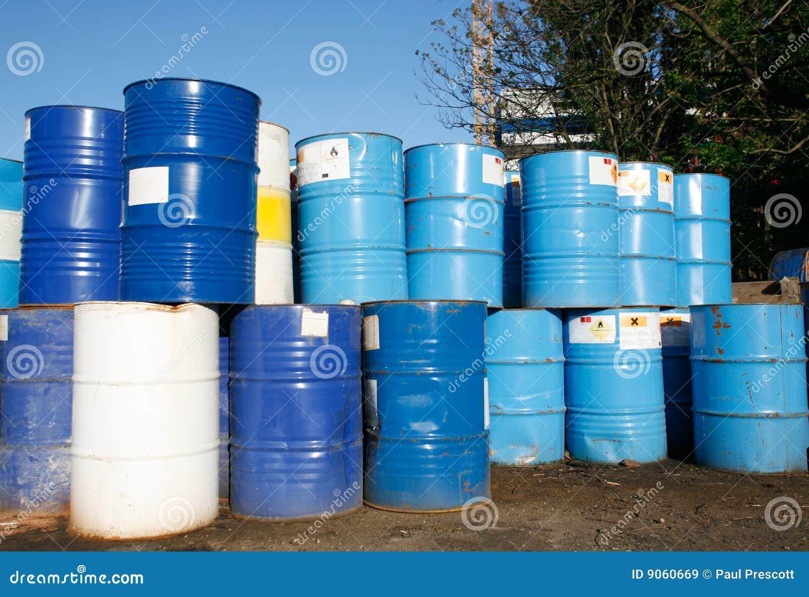 Tonneaux à huile