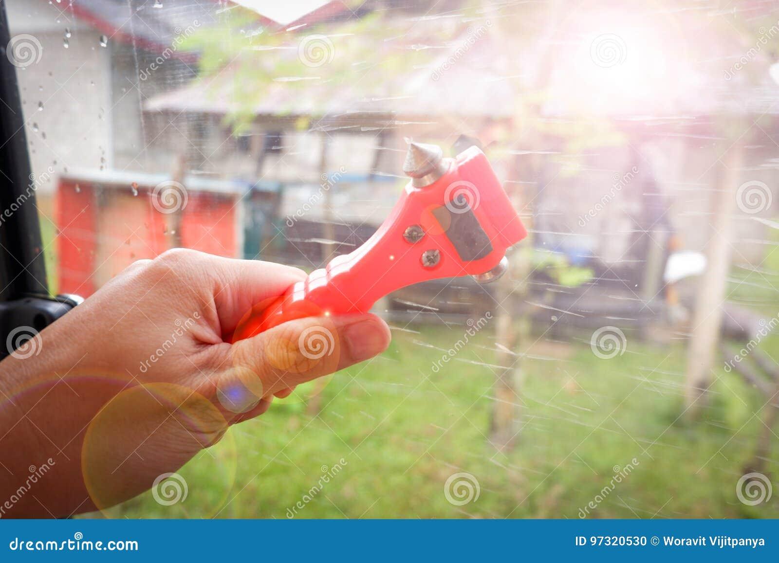 Tool smash the window Auto glass