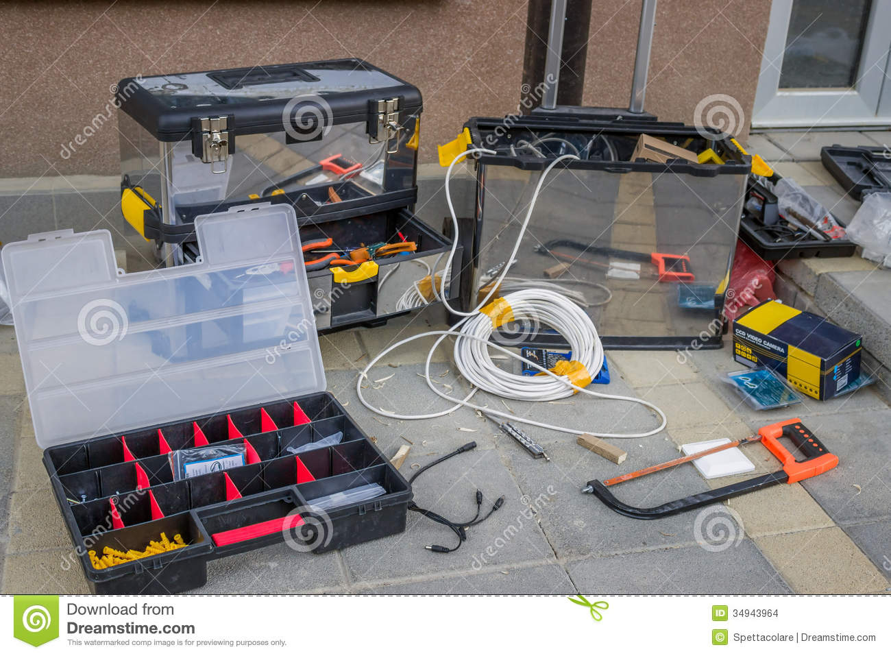 Tools and materials for installing cctv security cameras - Instalacion de camaras de seguridad ...