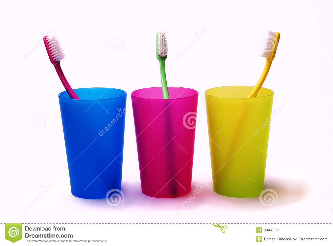 Toothbrushes nei supporti di colore
