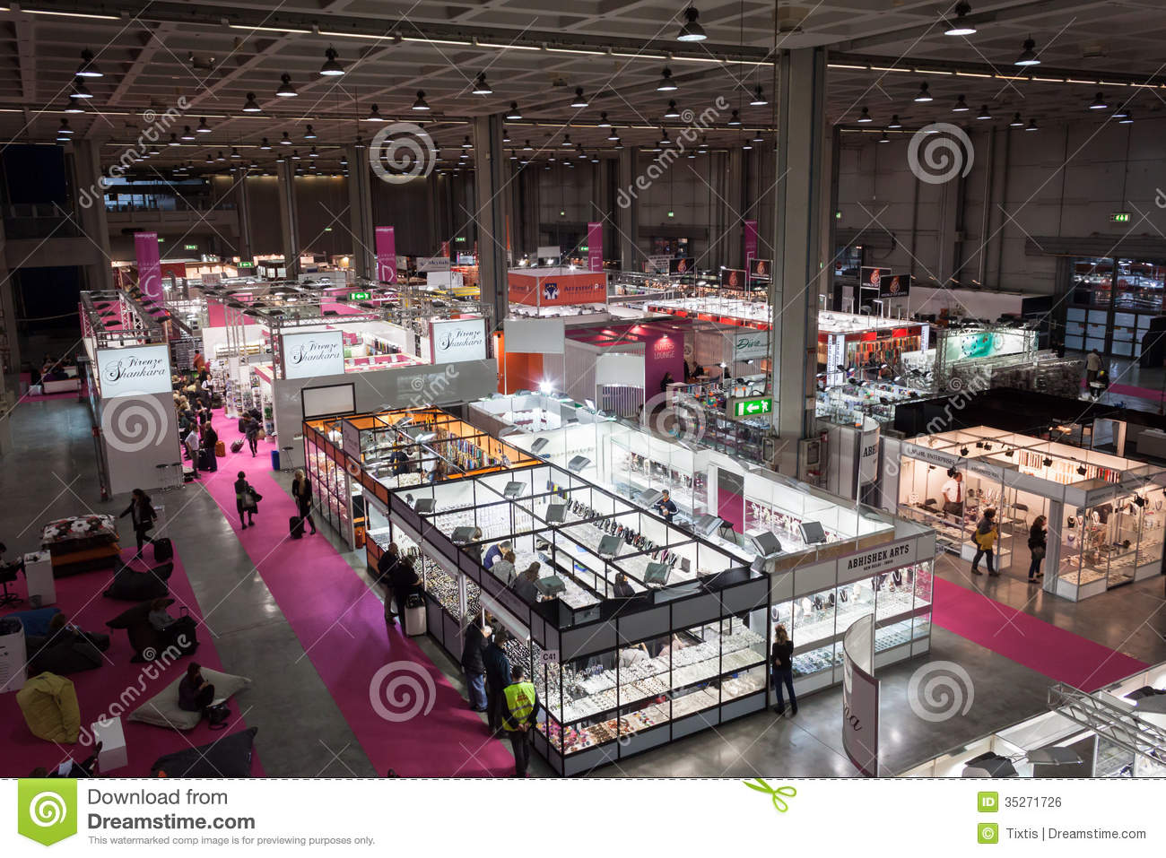 Fashion Exhibition Booth : Top view of booths and people at chibimart in milan