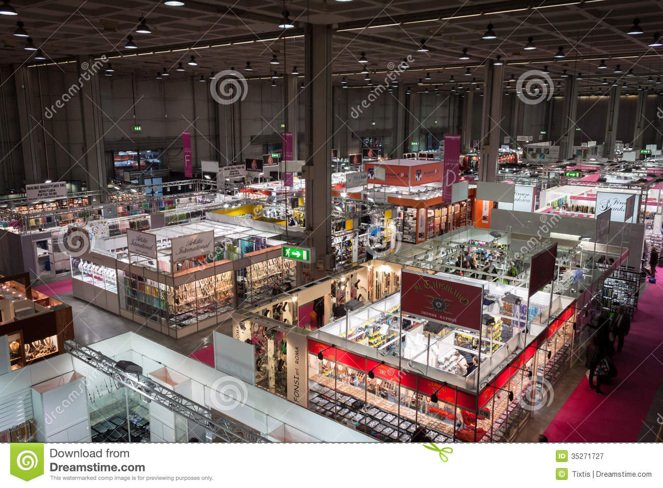 Exhibition Booth Accessories : Top view of booths and people at chibimart in milan