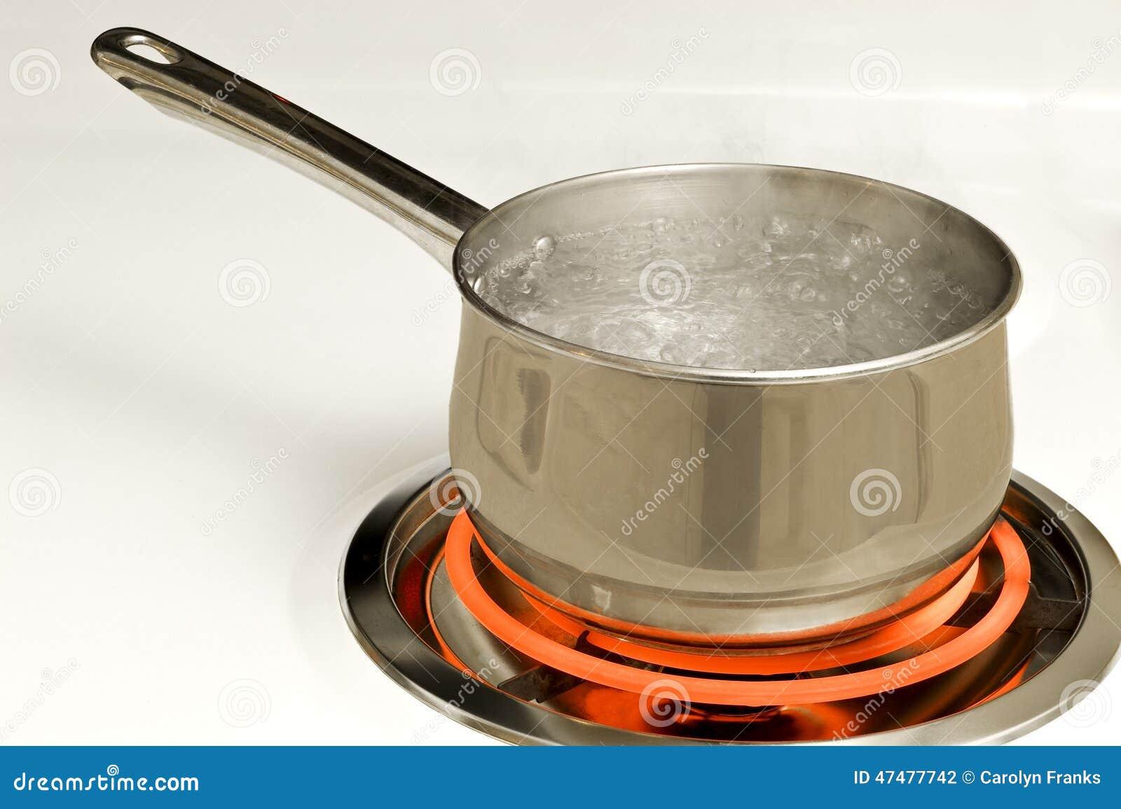 Topf kochendes wasser auf hei em brenner stockfoto bild 47477742 - Warmflasche kochendes wasser ...