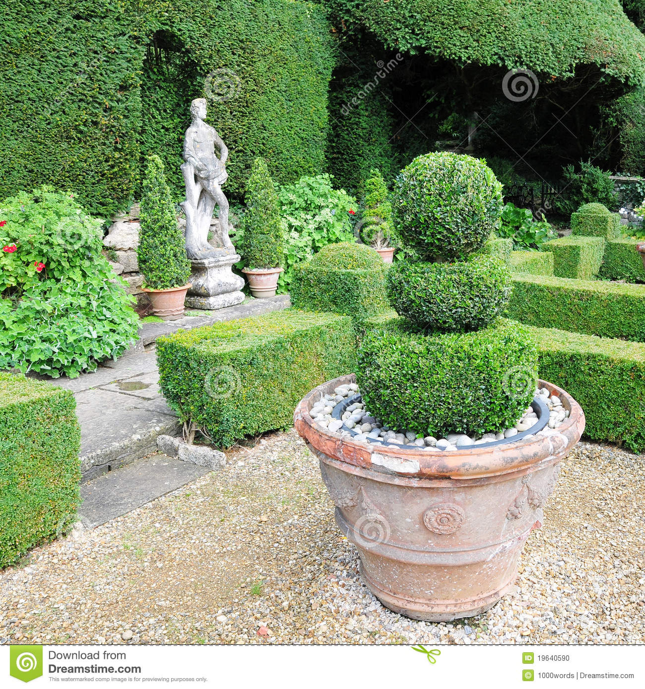 10 168 Topiary Garden Photos Free Royalty Free Stock Photos From Dreamstime