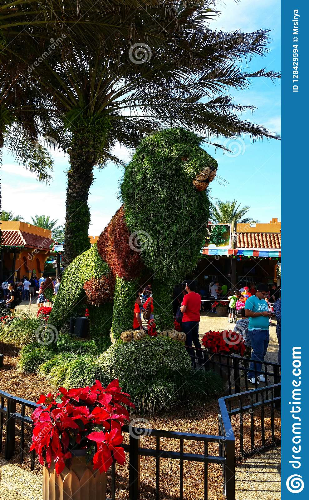 516 Topiary Garden Entrance Photos Free Royalty Free Stock Photos From Dreamstime