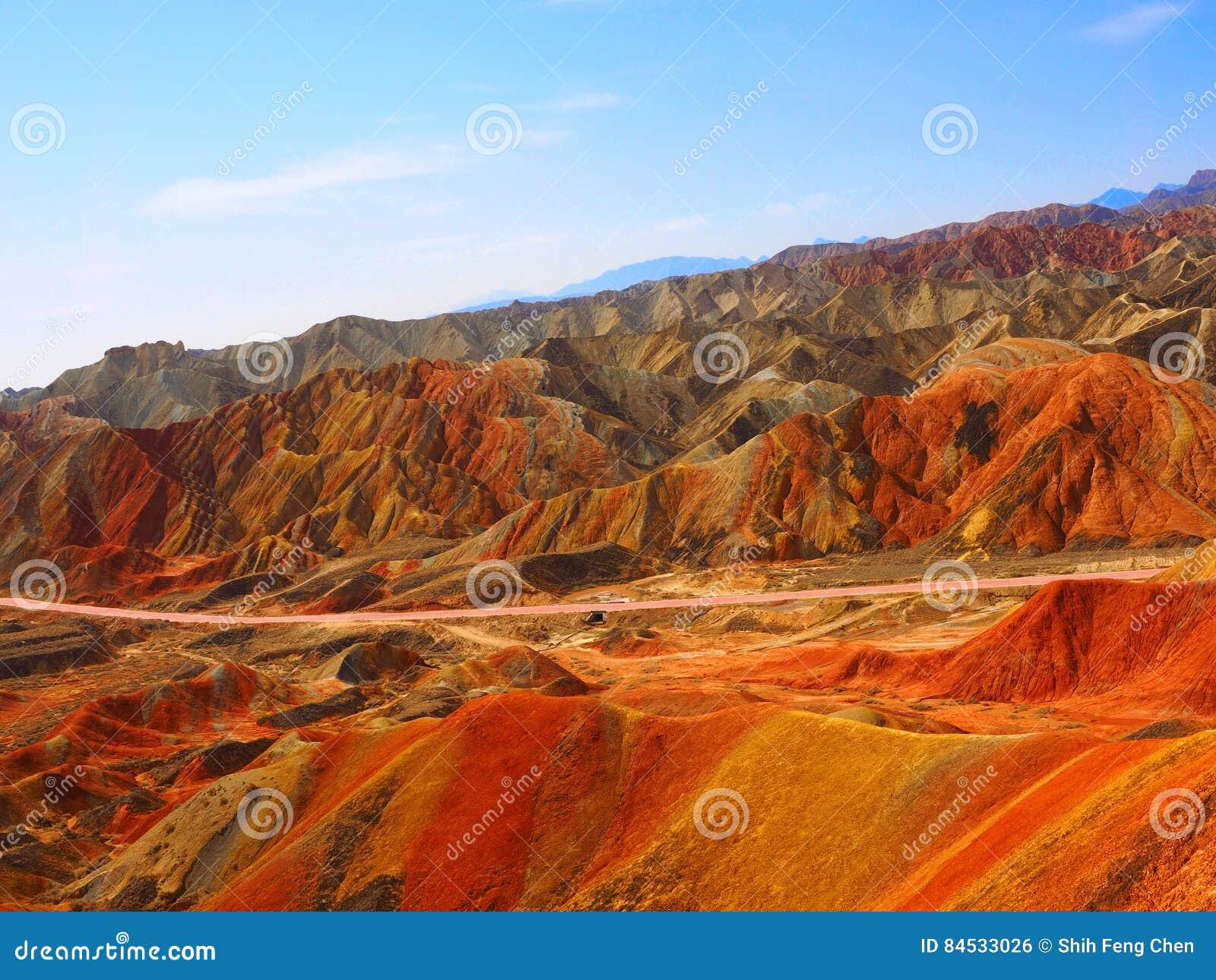 Topografia colorida de Danxia, Zhangye, Gansu, China