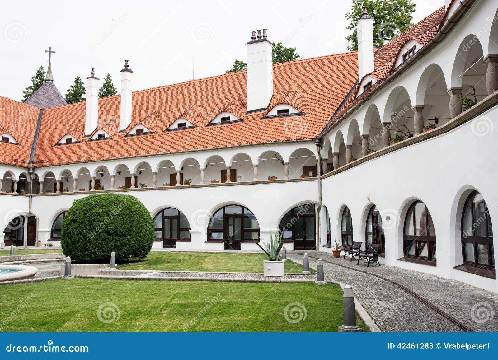 Topolcianky-Schloss