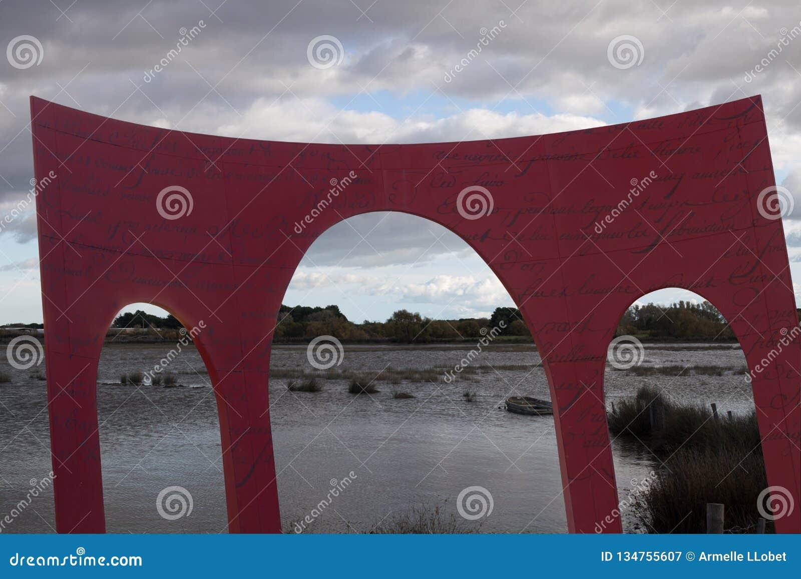Tor des kleinen Camargue