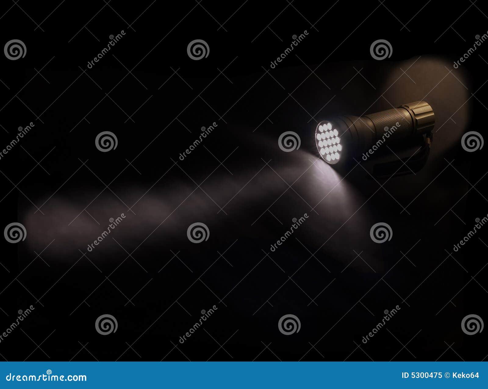 Download Torcia elettrica immagine stock. Immagine di emergenza - 5300475