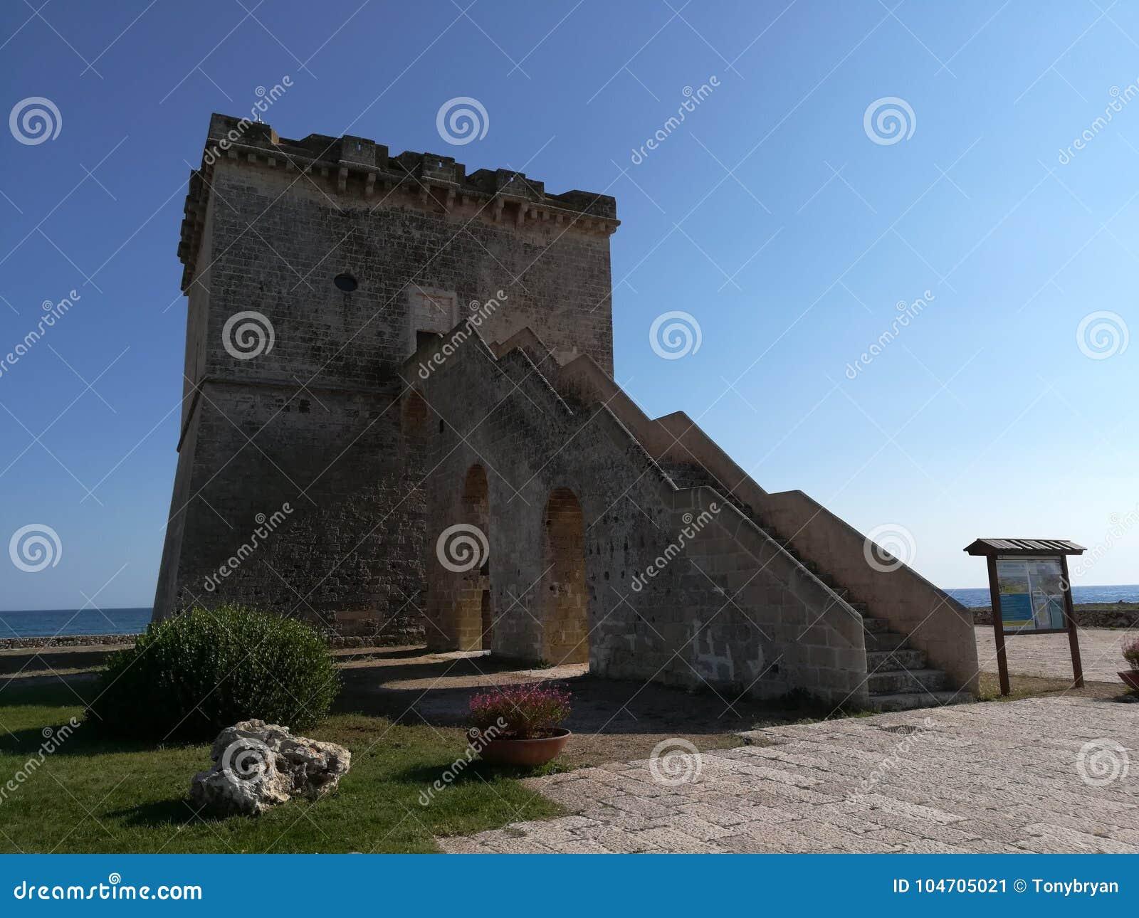 Toren Lapillo dichtbij Porto Cesareo in Salento Italië
