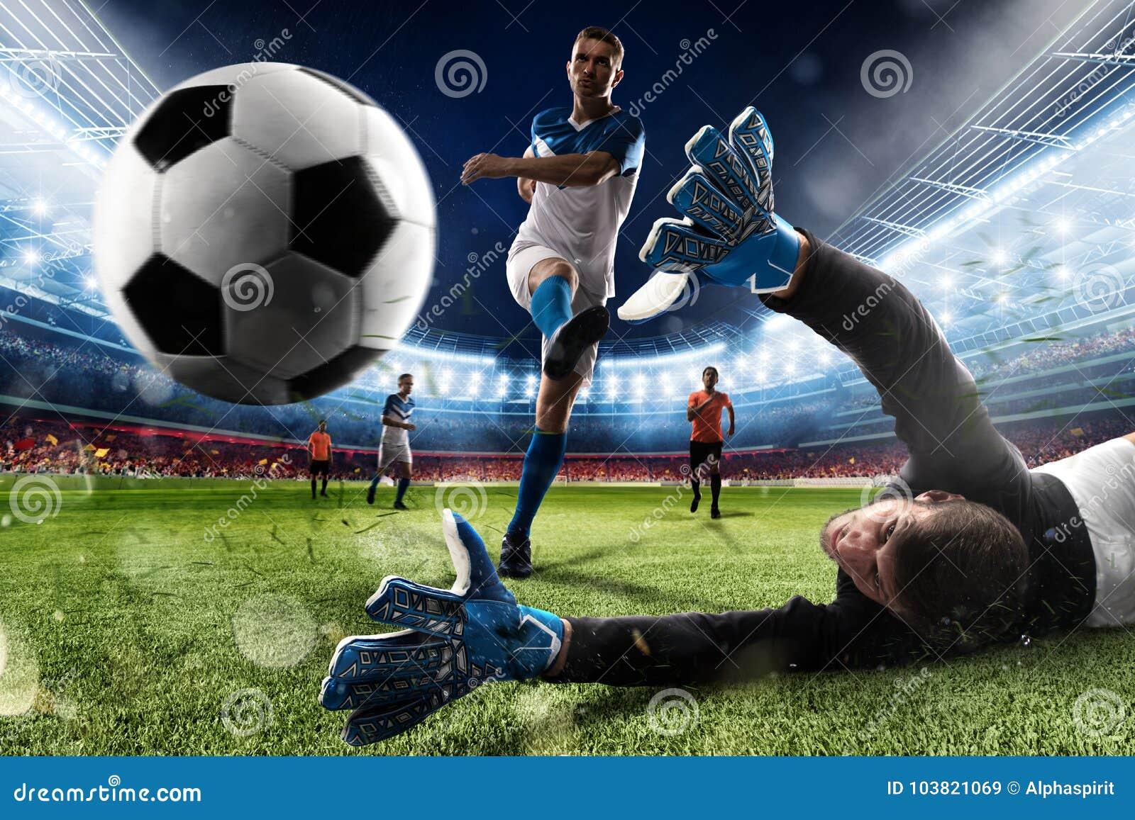 Torhüter tritt den Ball im Stadion