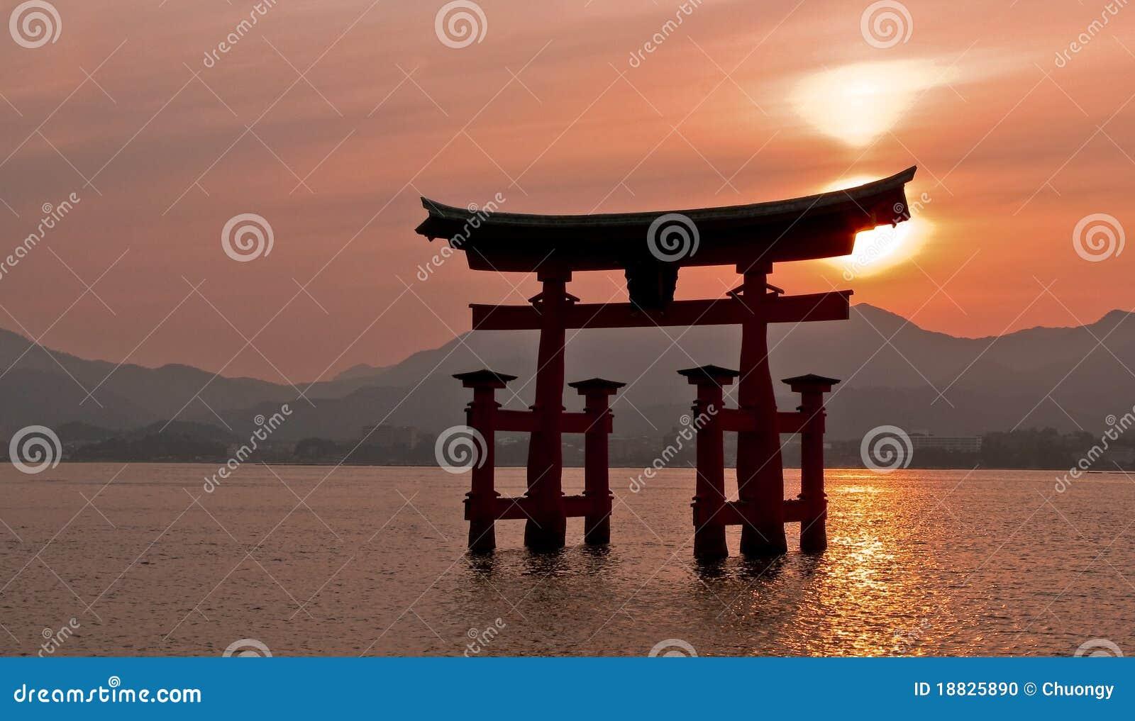 Torii miyajima της Ιαπωνίας πυλών