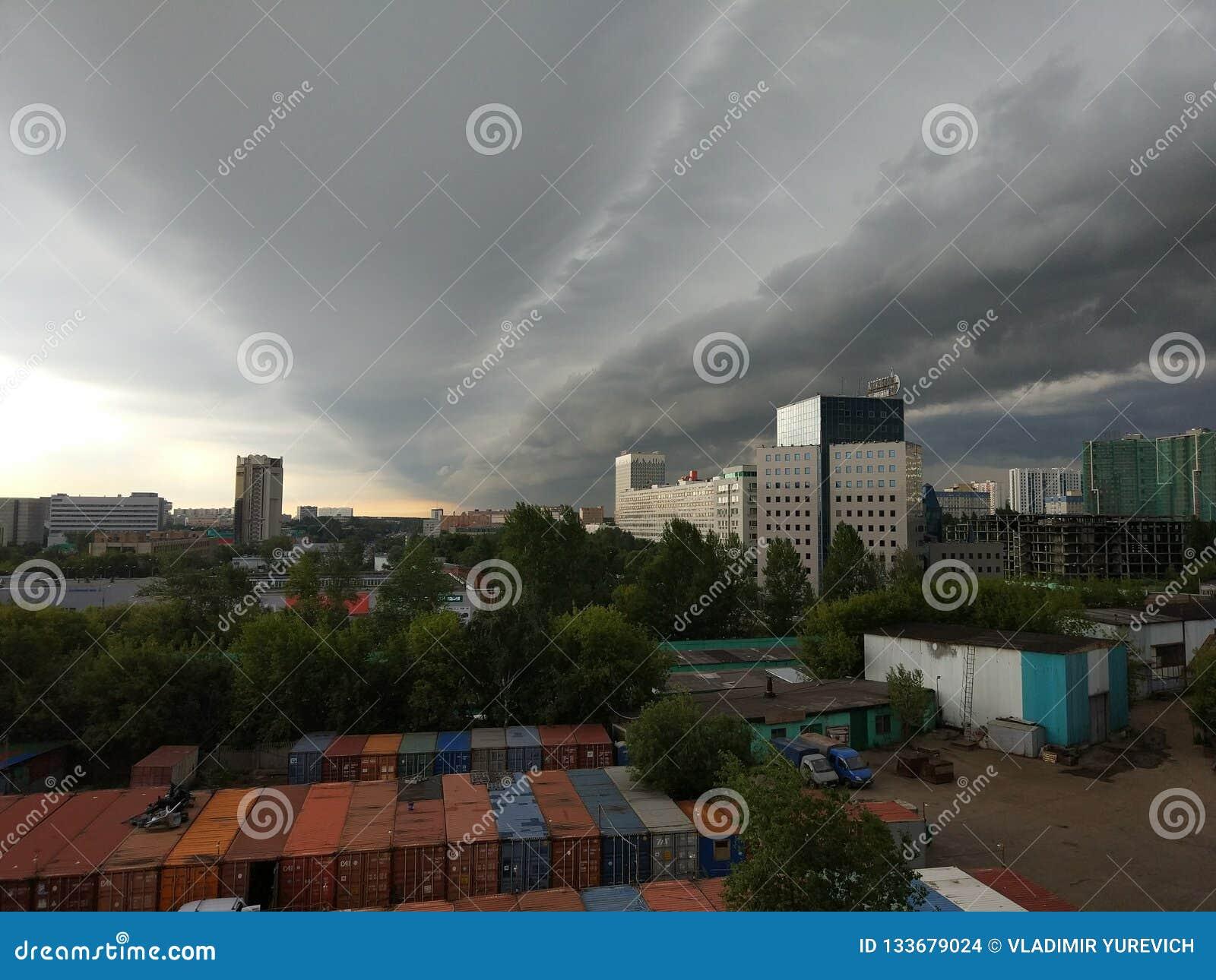 Tormenta inminente en las cercanías de Moscú