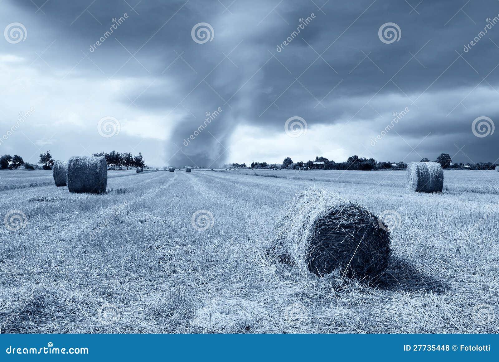 Tornado am Horizont