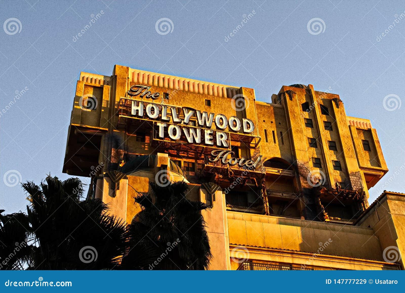 Tornet f?r skymningzon av hotell I f?r skr?ckHollywood torn
