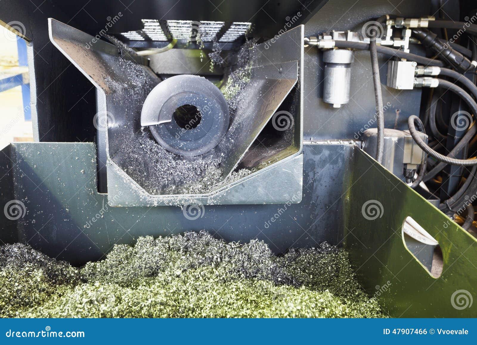 Torniture del metallo e della coclea dalla macchina del tornio