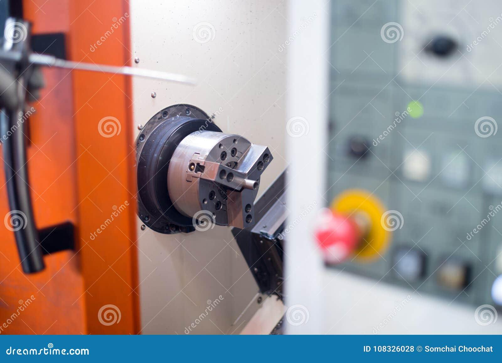 Torno do CNC no processo de manufatura
