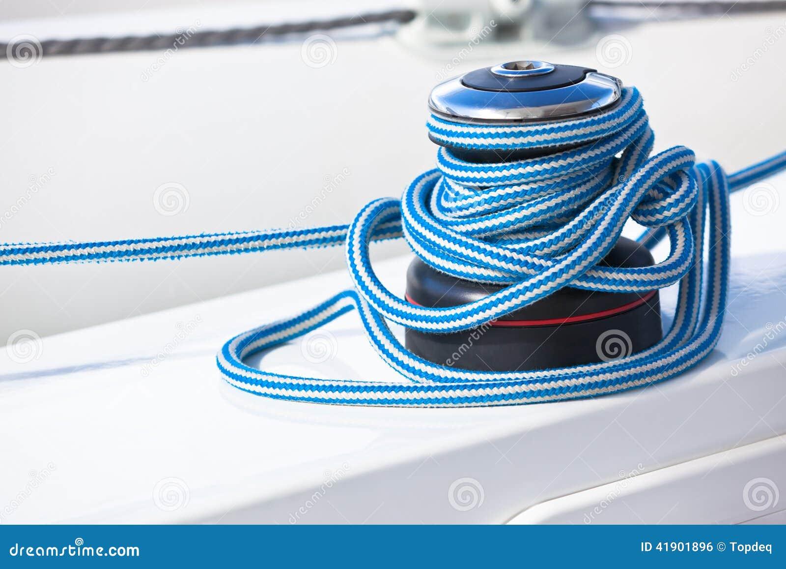 Torno y cuerda, detalle del yate