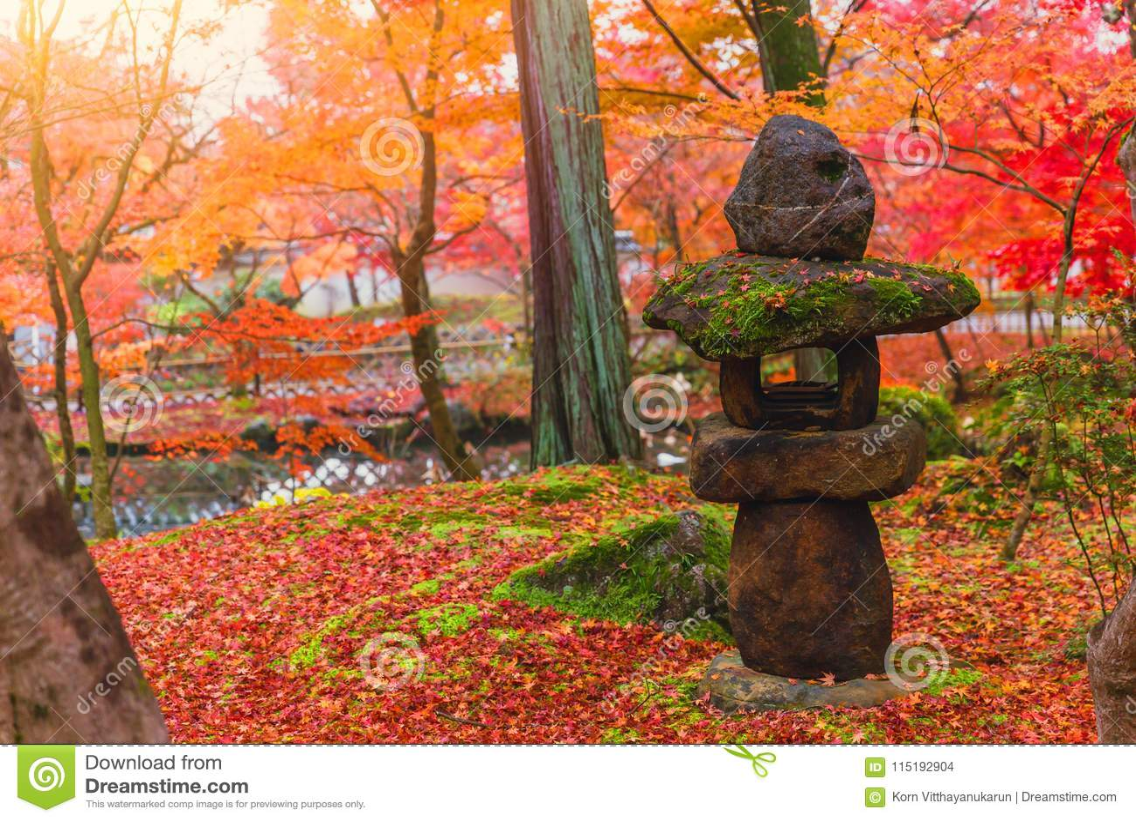 Toro traditionell japansk stenlykta