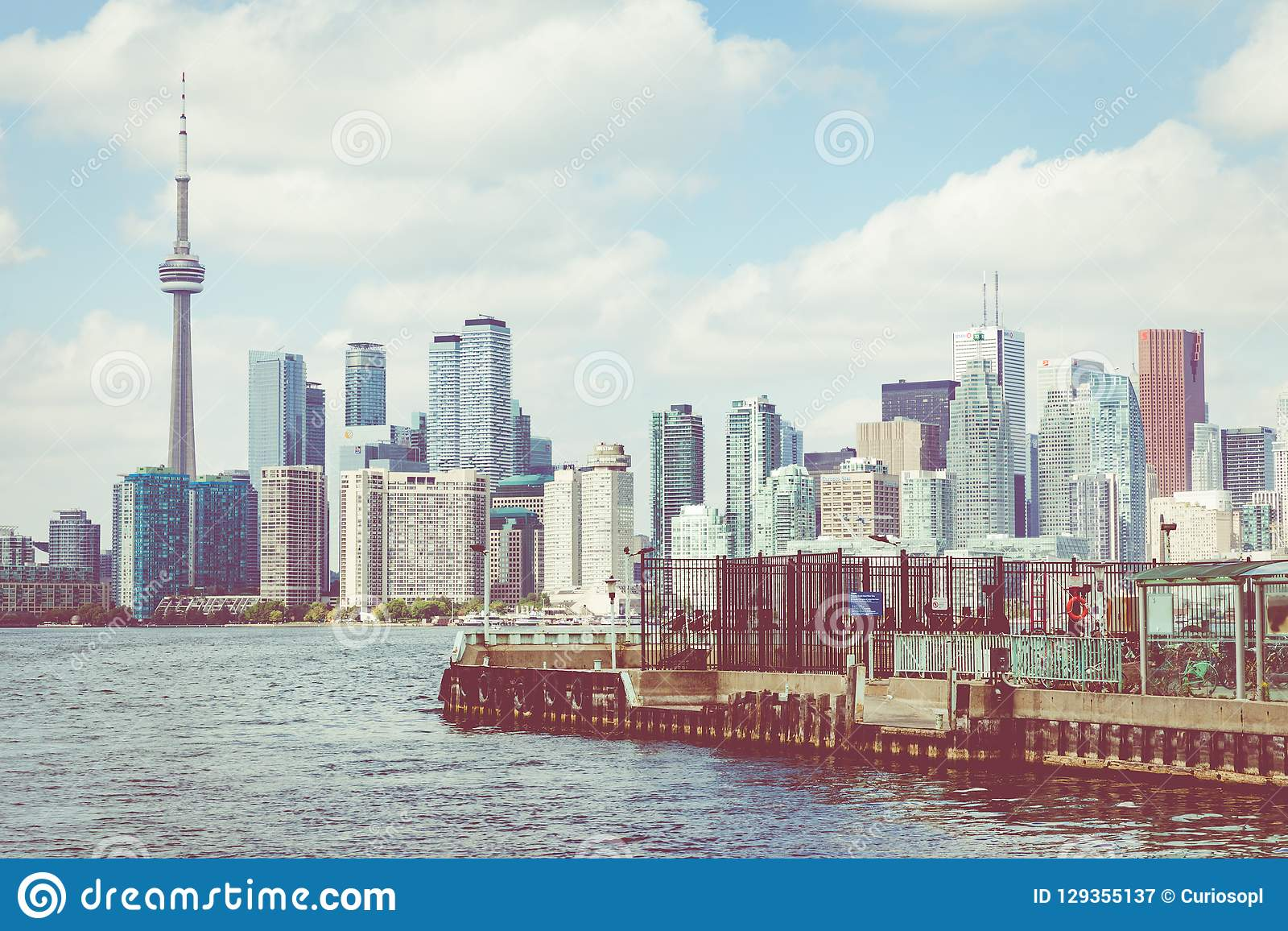 TORONTO, KANADA - 19. SEPTEMBER 2018: Schönen Torontos skylin