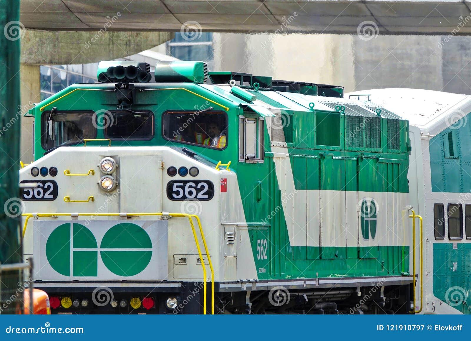 Toronto, Ontario, Canadá 26 de junio de 2018: Toronto va arrivin del tren