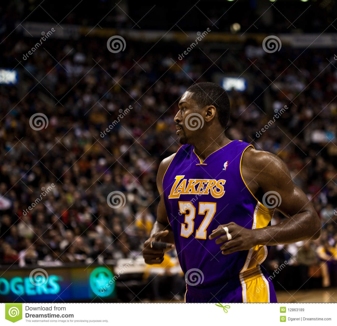 Toronto Rapters contra Los Angeles Lakers