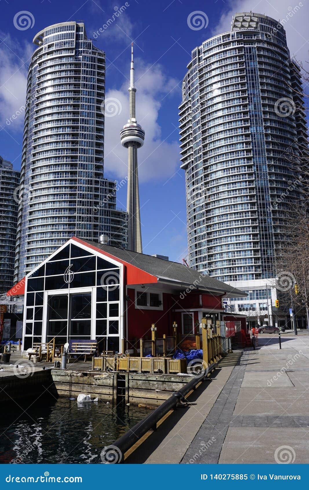 Toronto van de binnenstad met iconische toren