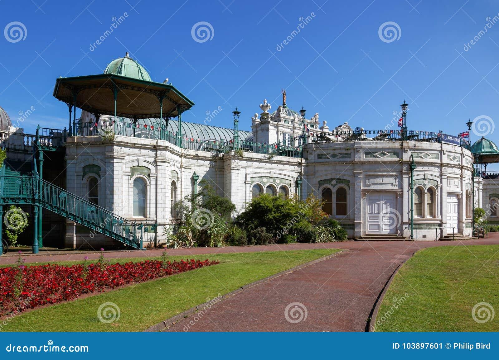 TORQUAY, DEVON/UK - LIPIEC 28: Princess ogród i