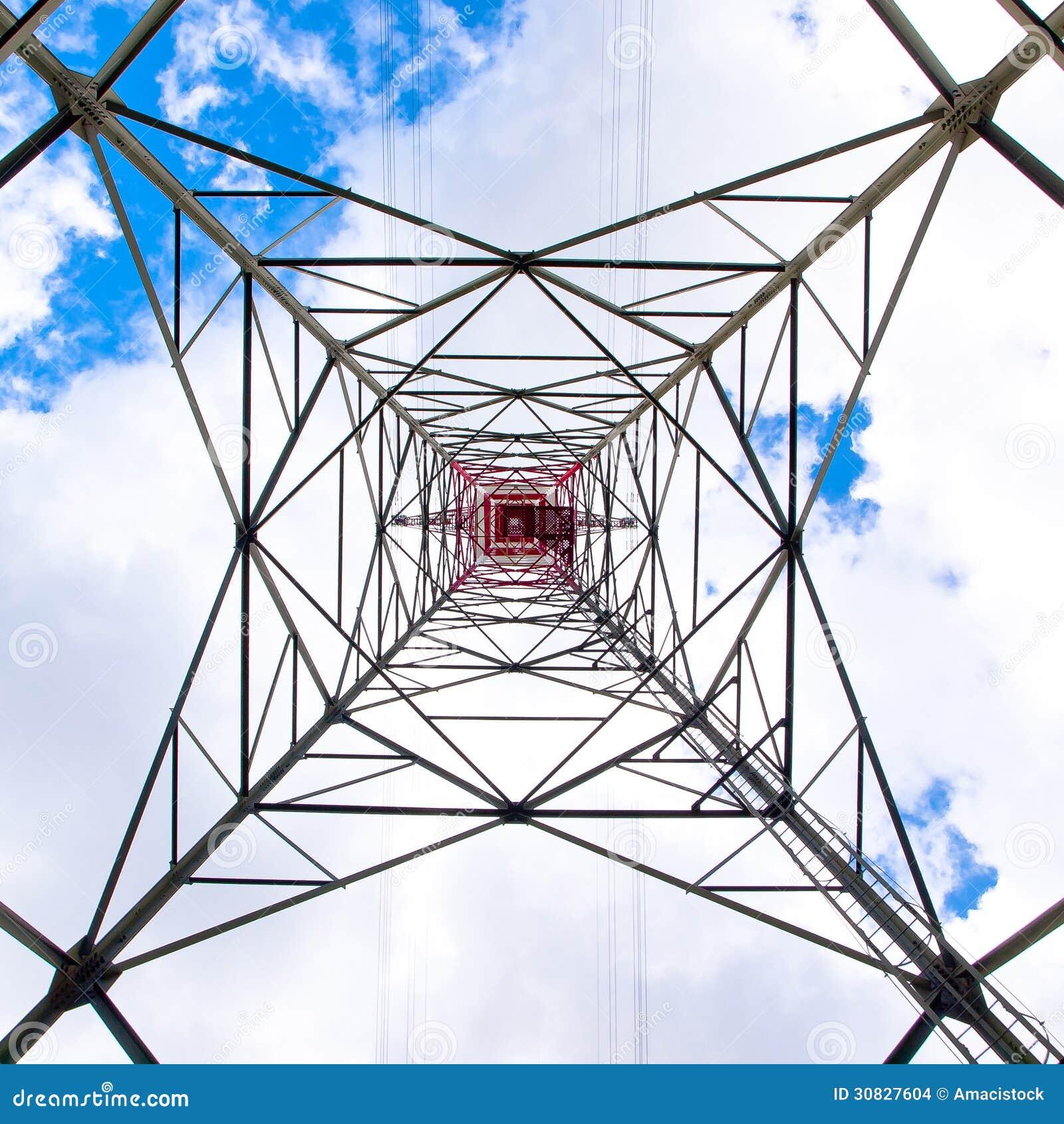Torre ad alta tensione