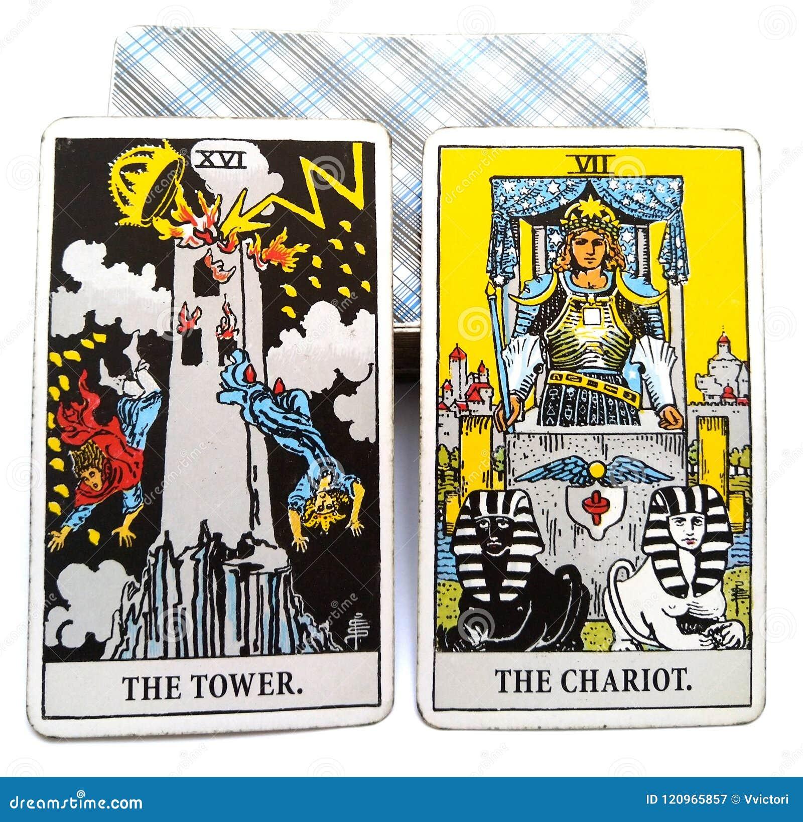 Torre/biga do cartão do nascimento do tarô