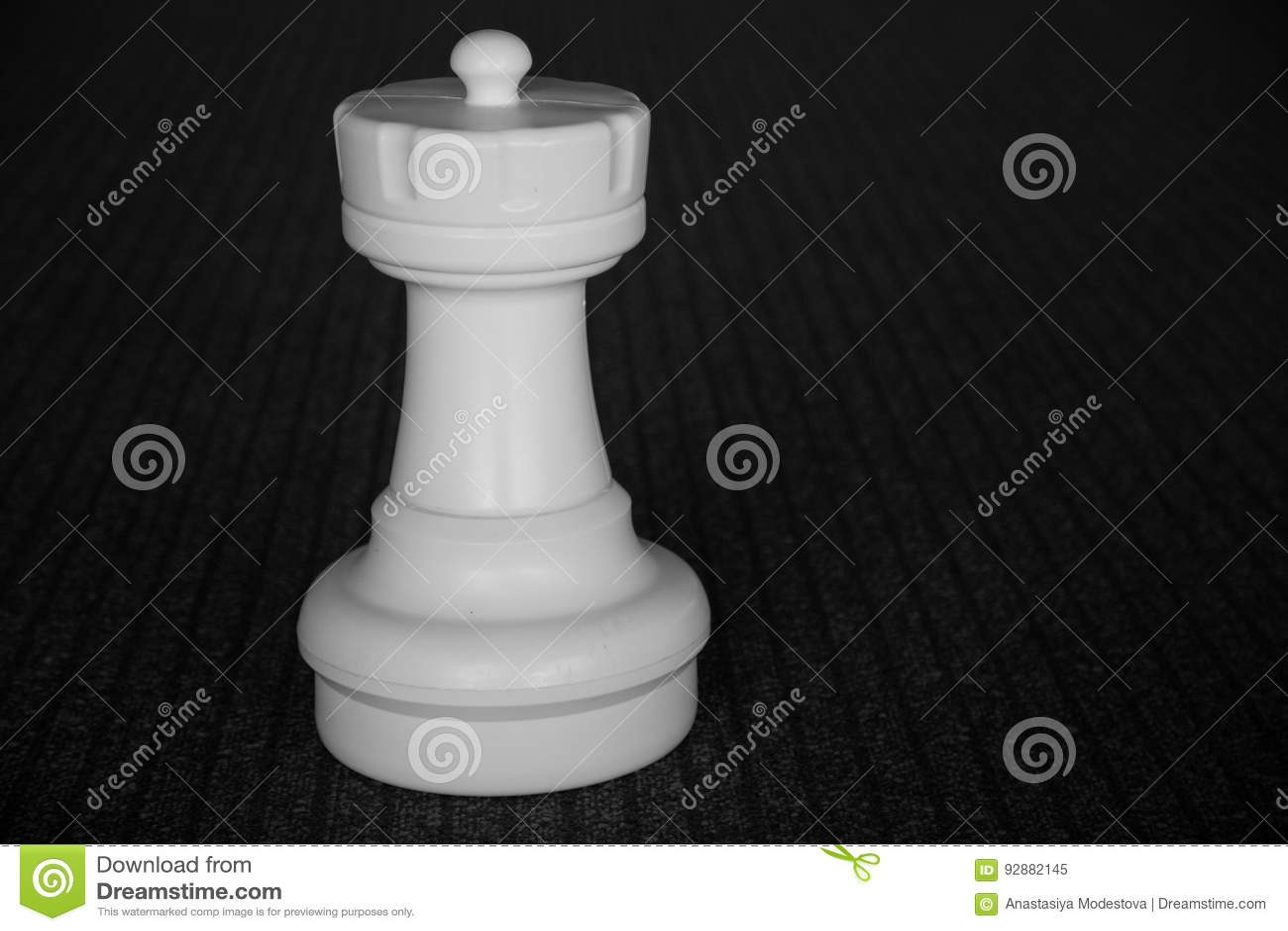 Torre blanca del ajedrez aislada
