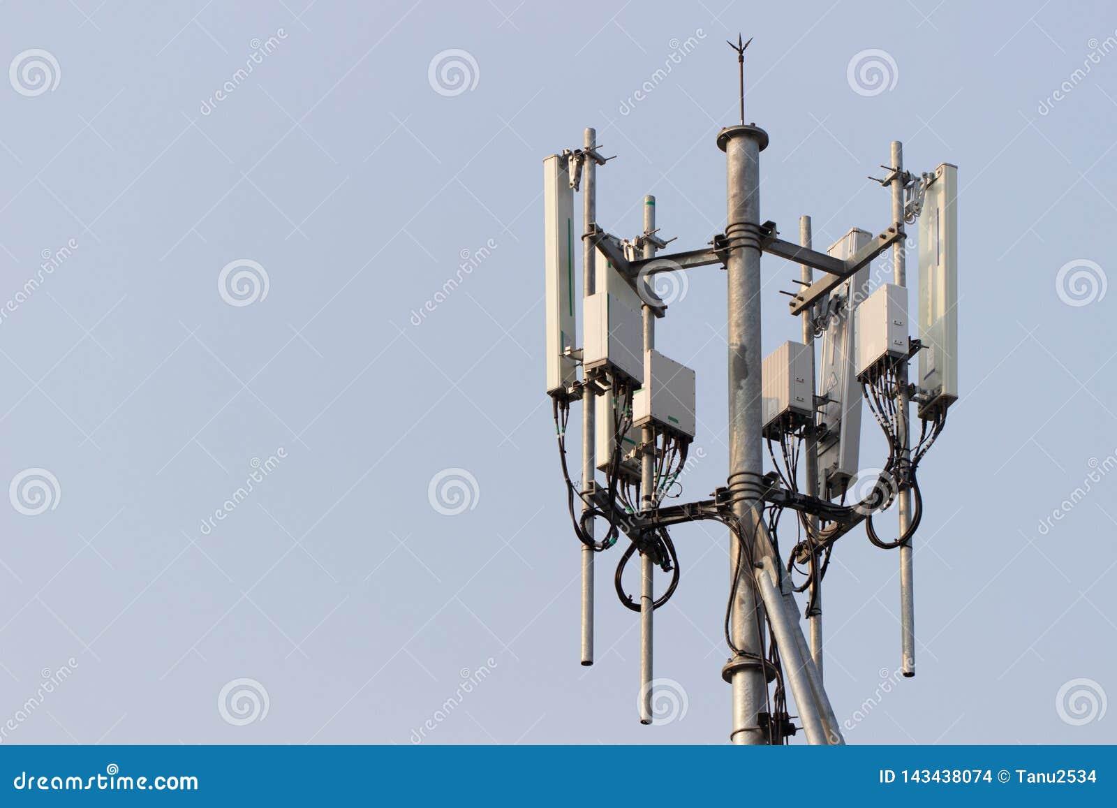 Torre da estação base do telefone celular