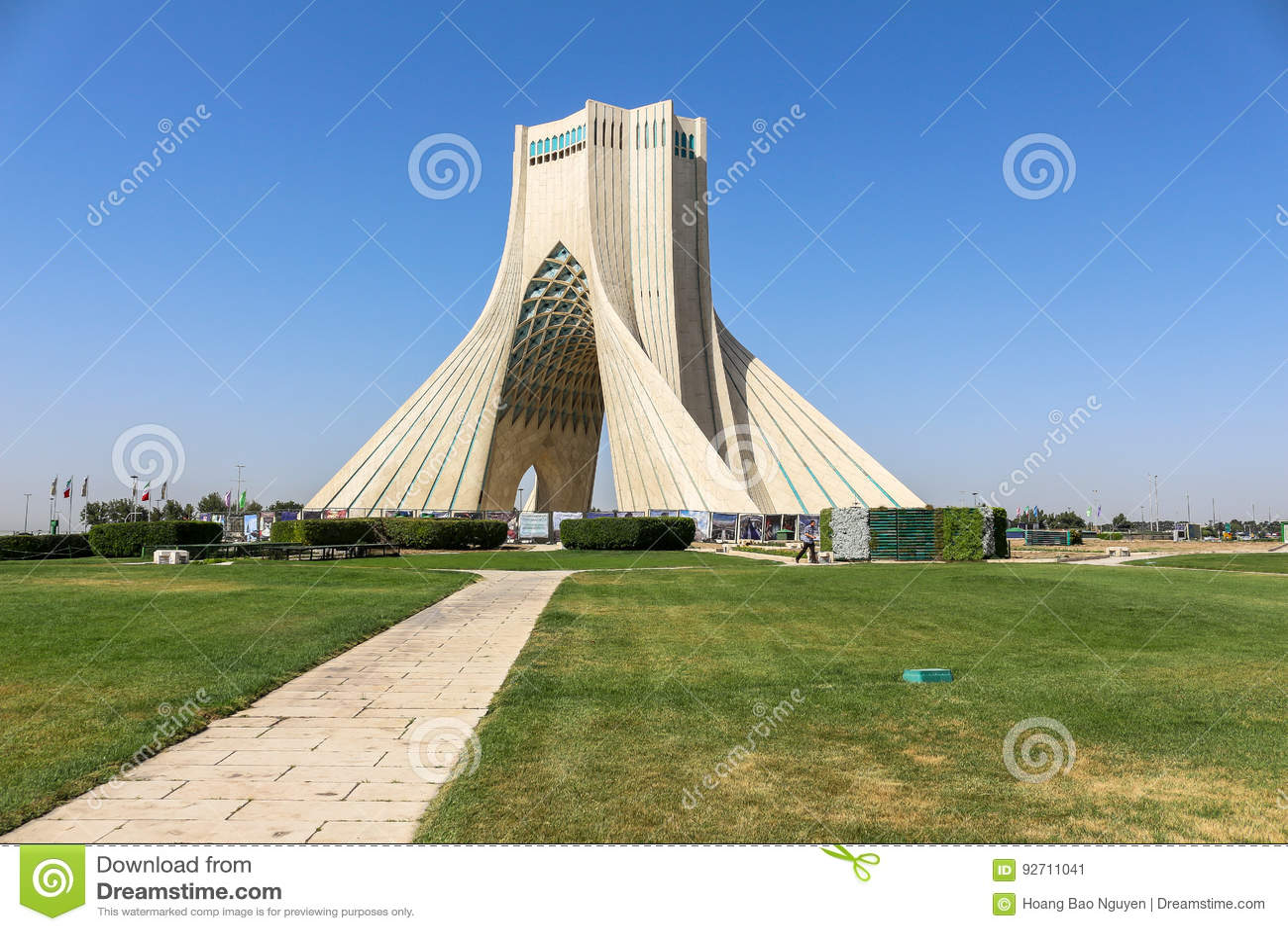 Torre de Azadi em Tehran, Irã