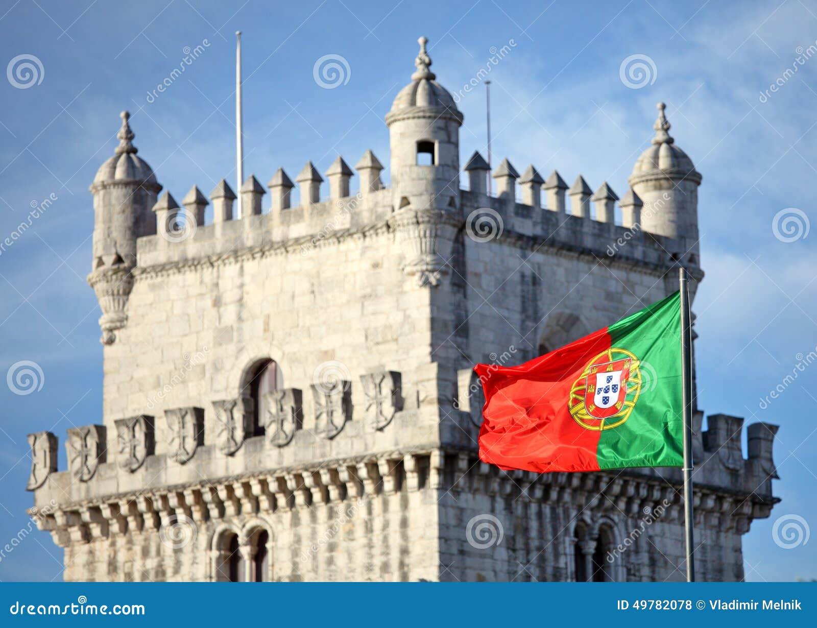Torre de Belém e bandeira portuguesa
