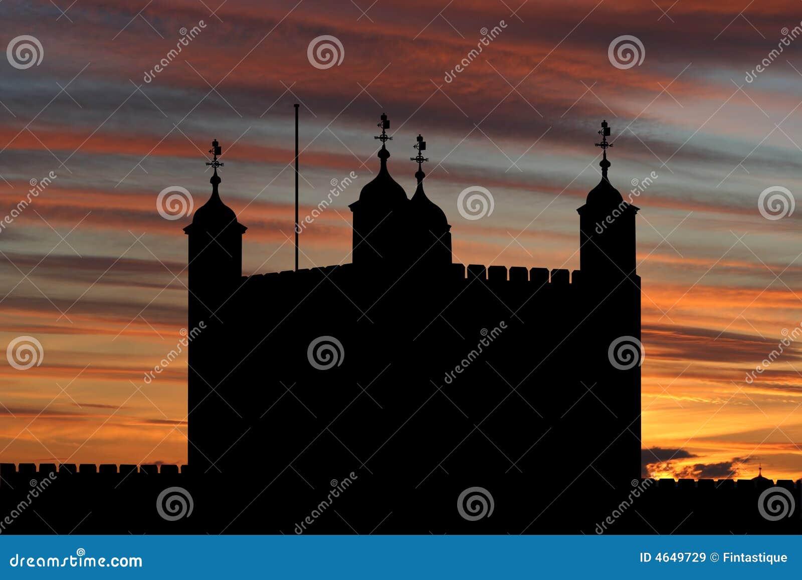 Torre de Londres no por do sol