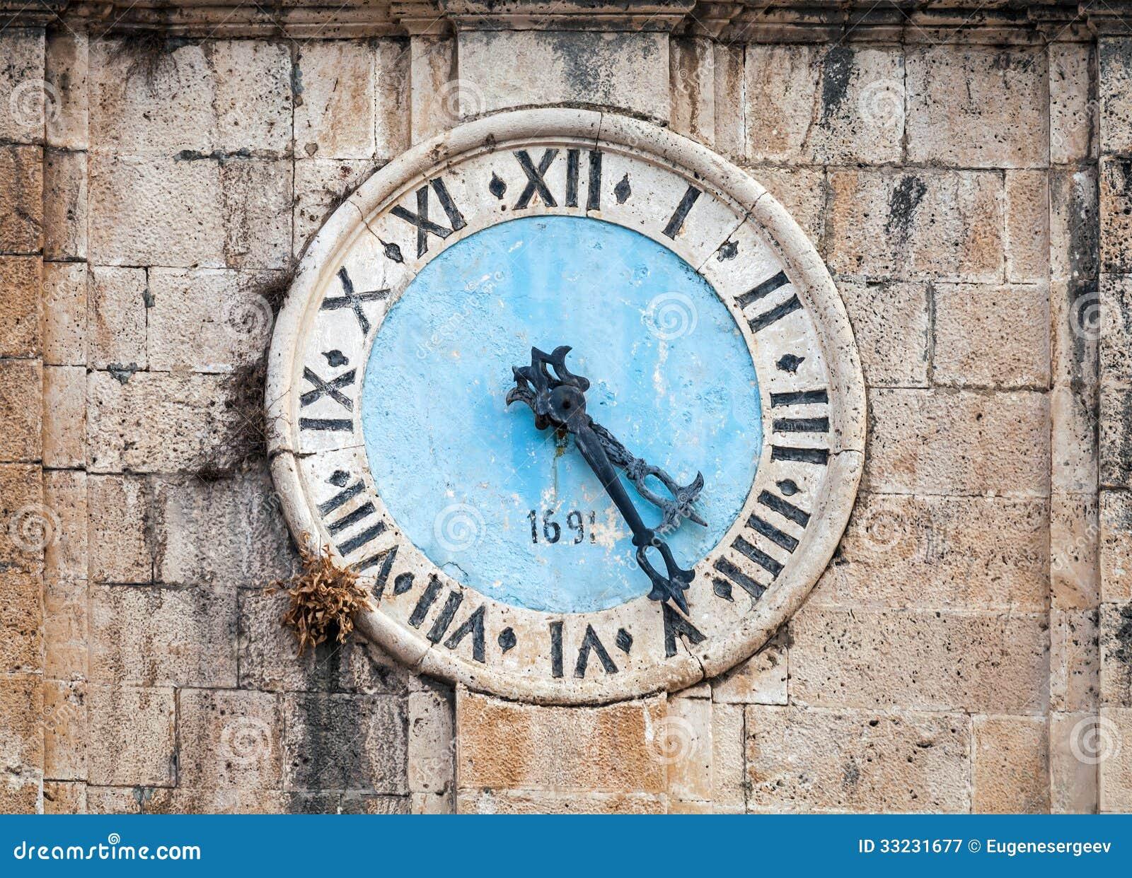 Torre de reloj antigua