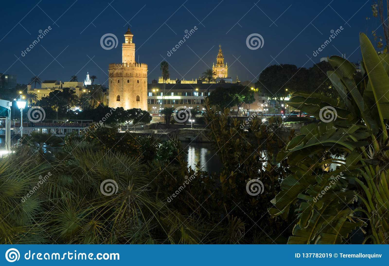 Torre del Oro and Cathedral of Seville - Torre del Oro y Catedral de Sevilla