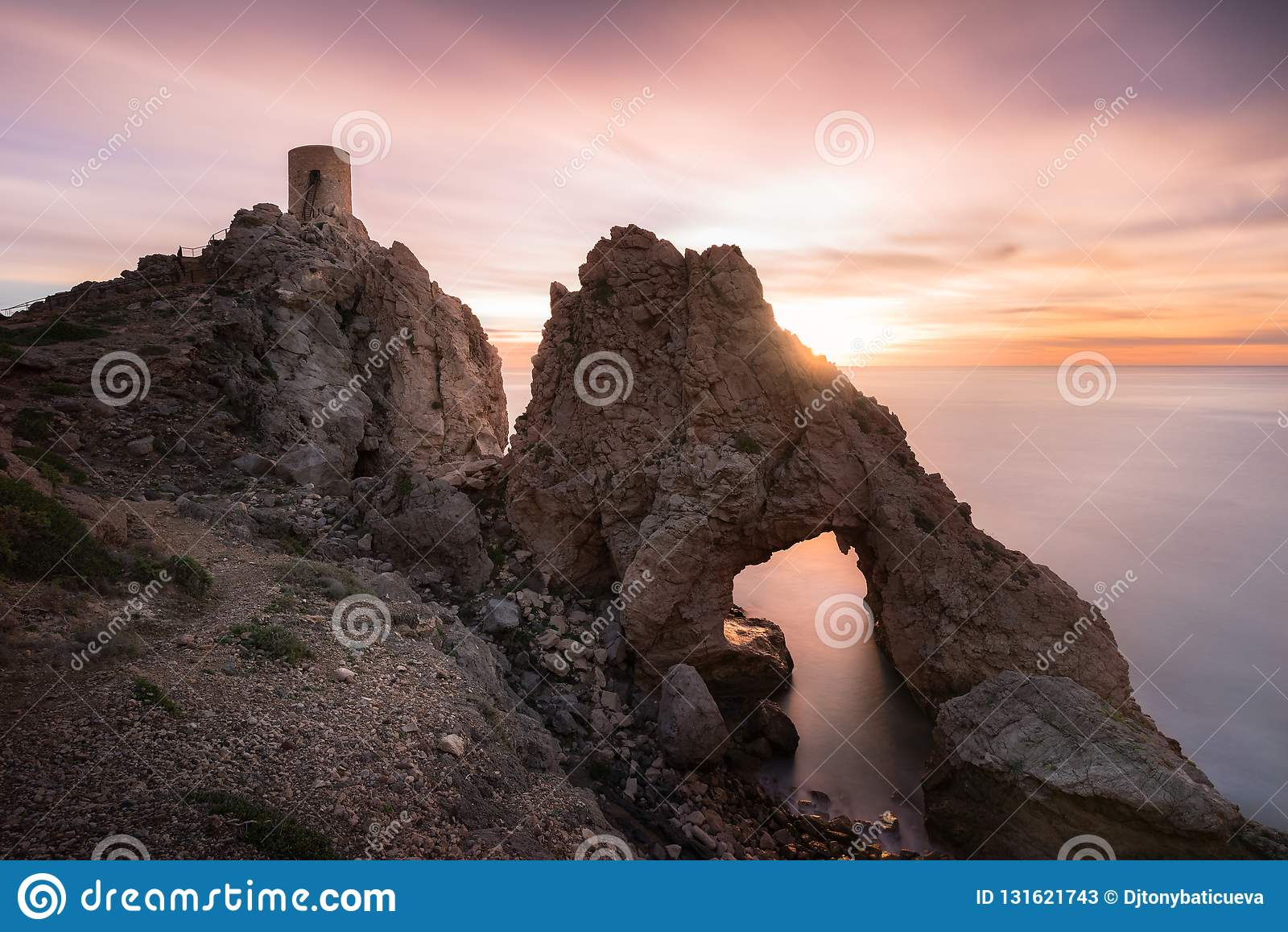 Torre del Pirulico, Atalaya del Peñà ³ n of Torre DE los Diablos zijn watchtower of kustdiewatchtower in wordt gevestigd
