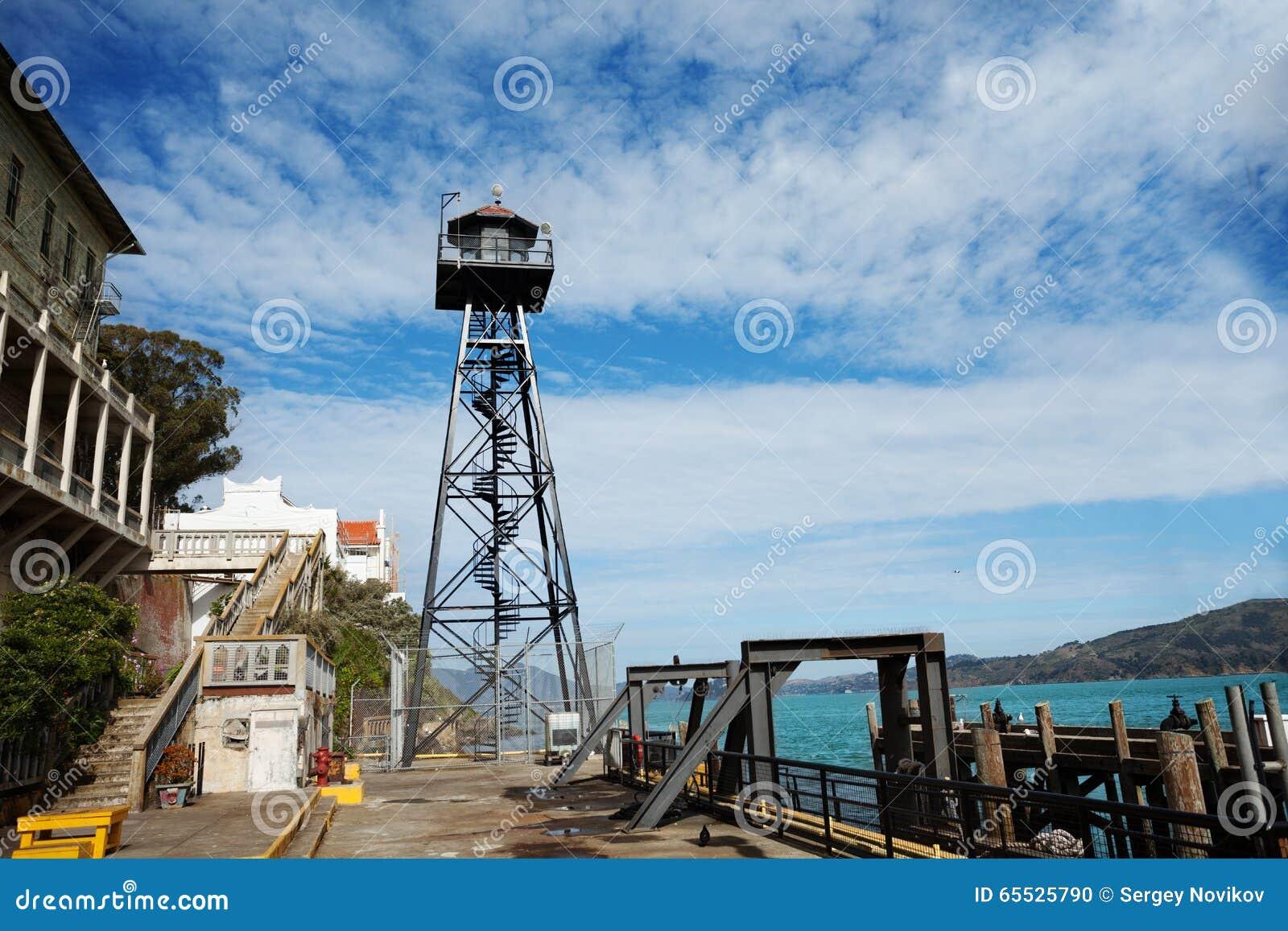 Torre del reloj en la prisión de Alcatraz