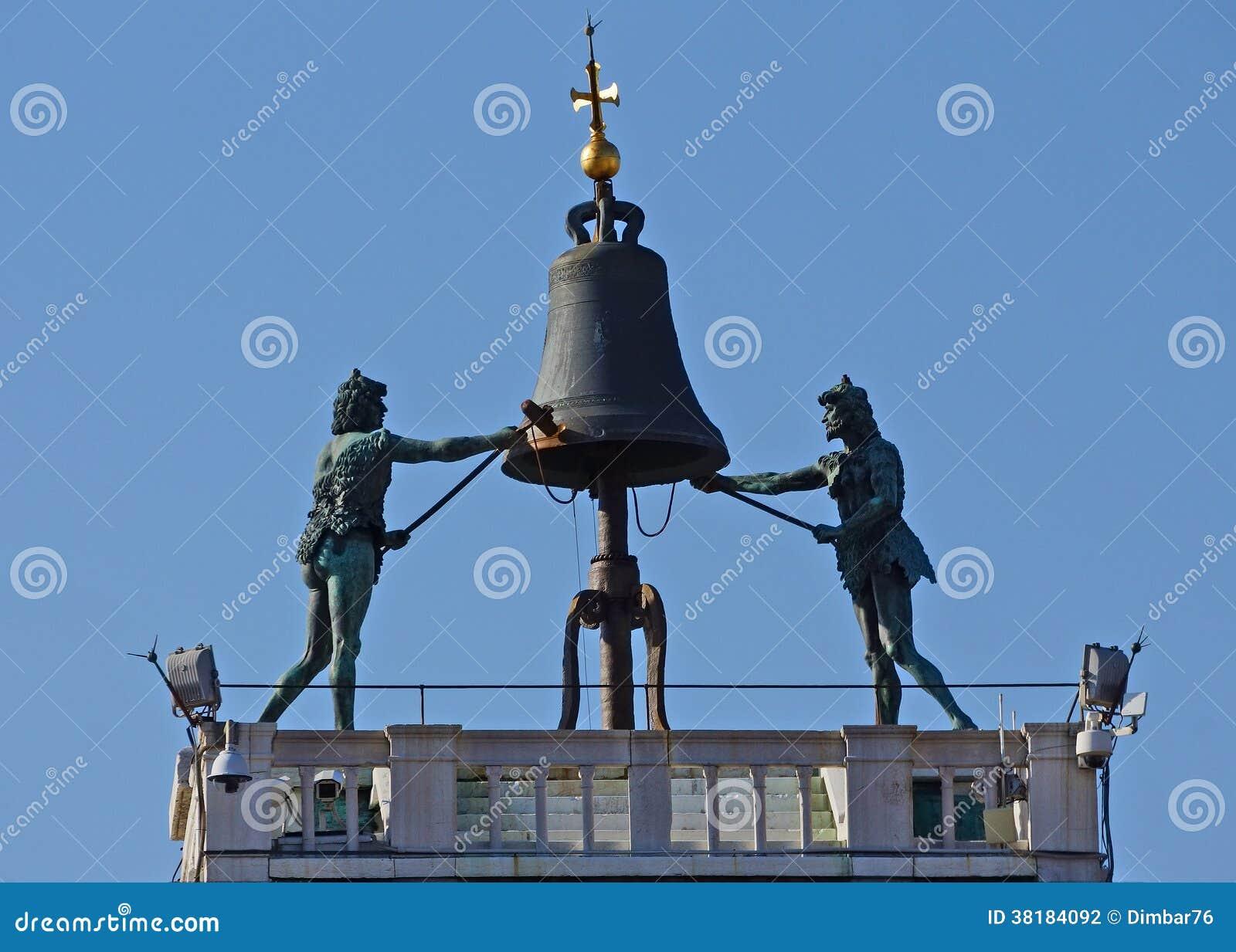 Torre di orologio sulla piazza San Marco a Venezia, Italia