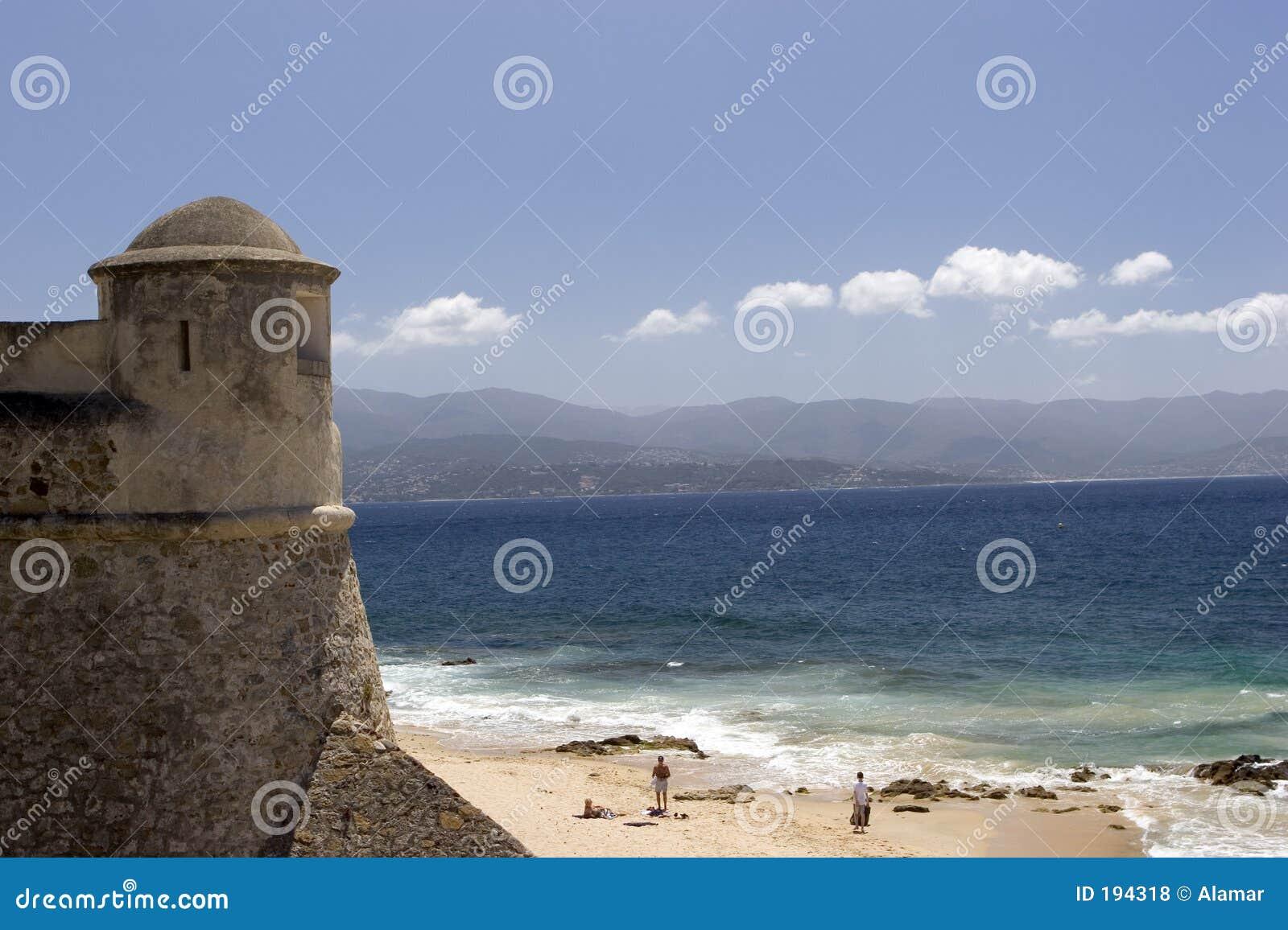 Torre e praia